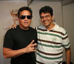 Photo: Júlio José e o cantor Leonardo em 11/01/2009