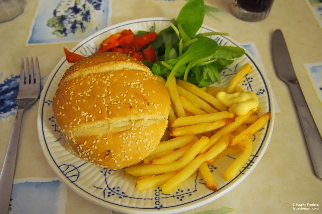 Hamburgers met frietjes (Le petit requin)