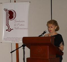 Photo: La poeta Amparo Romero Vásquez, Presidenta de la Fundación de Poetas Vallecaucanos (18 años), presenta el evento. VIDEO: http://www.youtube.com/watch?v=h23Z-Q-VRt4 Detalles del evento:  http://fdpv.blogspot.com/2013_02_15_archive.html
