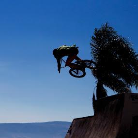 Cyclling by Cristobal Garciaferro Rubio - Sports & Fitness Other Sports ( chapala, sky, blue sky, cycling, ajijic )
