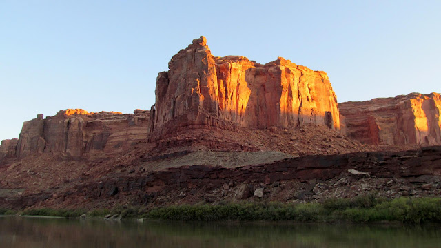 Sunrise on the cliffs across from Horseshoe Canyon