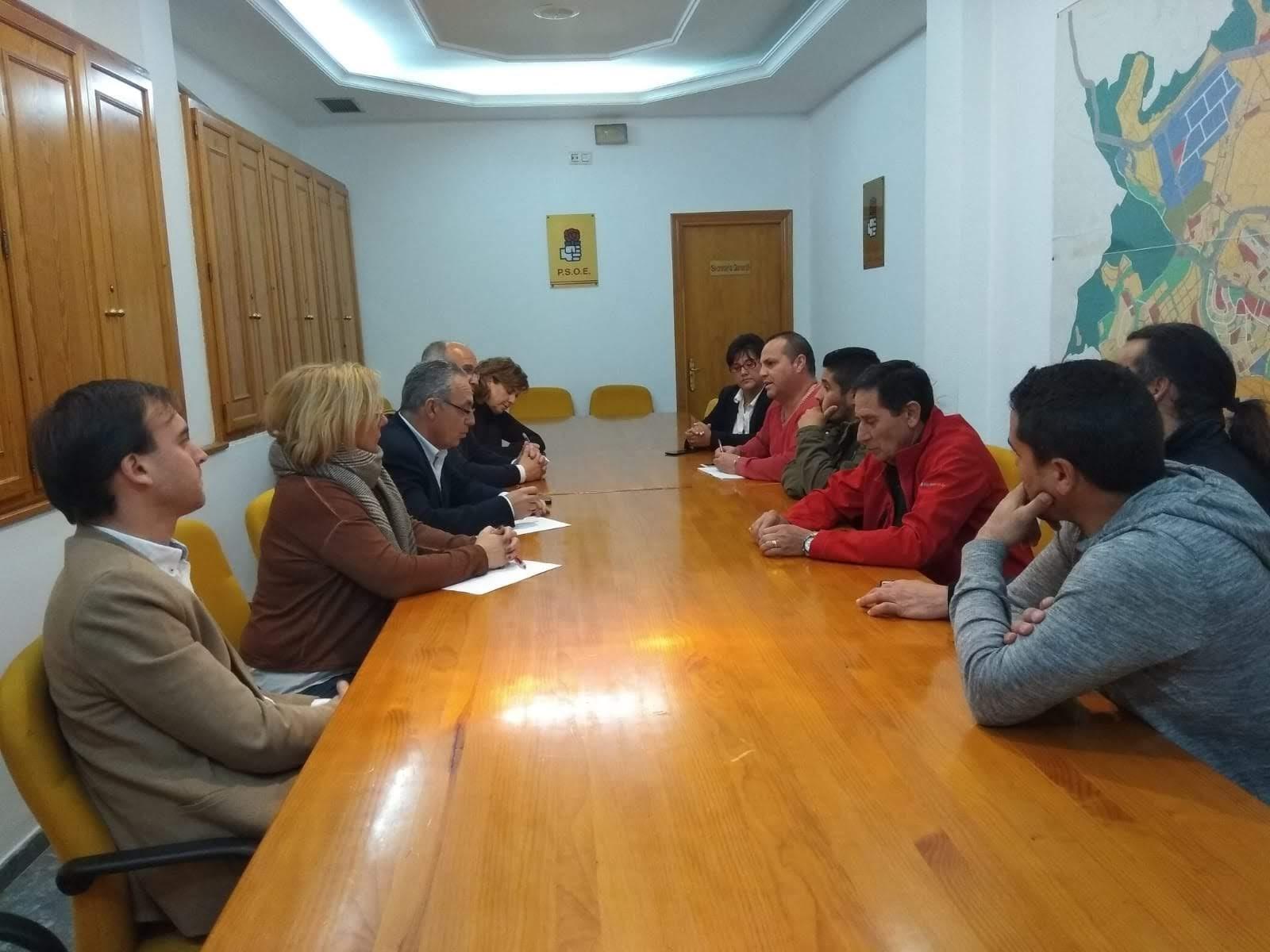 Lozano defiende el Plan Integral de Playas para mejorar las condiciones de sus trabajadores