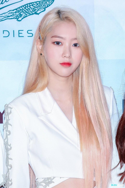 jiho blonde 9