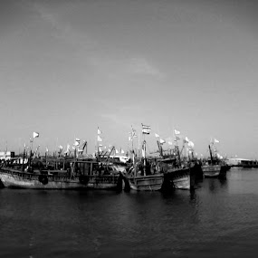 Parked Vessels by Naveed Dadan - Transportation Boats
