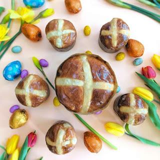 Easter Bun-e-ttone.