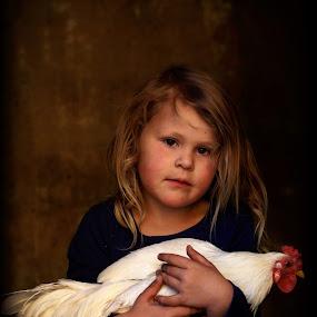 Mia by Chrismari Van Der Westhuizen - Babies & Children Child Portraits ( chicken, pets, children, childhood, kids, portrait, kids portrait )