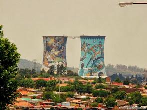 Photo: AFRIQUE DU SUD-Les tours de Soweto à Johannesburg.