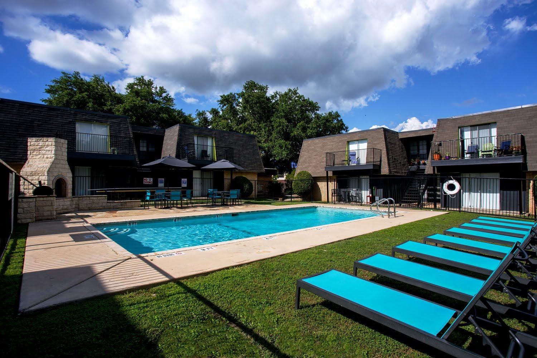 Aqua 16 Apartments In San Marcos Texas