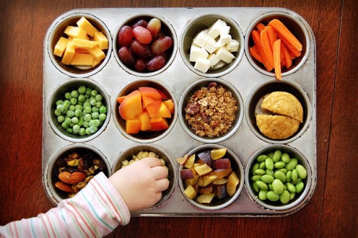 Hướng dẫn cách tập cho bé ăn rau củ quả dễ dàng, xóa tan nỗi lo thiếu chất