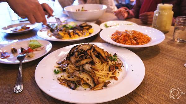 好吃的蔬食料理  沙拉、主餐、甜點都不錯哦-Miacucina內湖店@捷運西湖站@內科園區