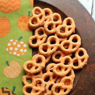 Chocolate Covered Pumpkin Spice Pretzels