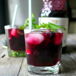 BLUEBERRY MAPLE MOJITO MOCKTAIL + GENDER REVEAL
