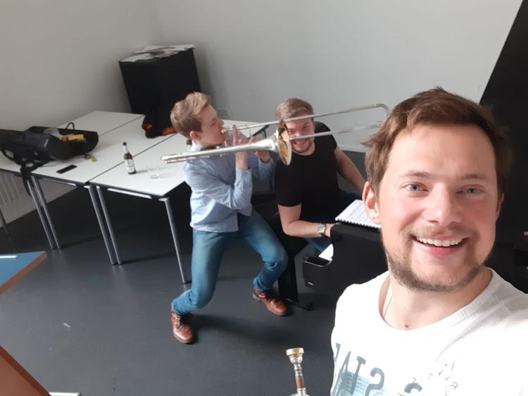 Jeremy Wiemers präsentiert: »Musikalische Umrahmung« im Livestream