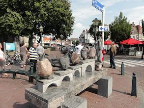 Photo: Met de onthaalploeg op de grote markt in Hulst