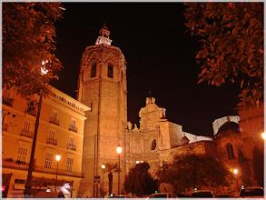 Photo: Plaza de la Reina ( Valencia).www.viajesenfamilia.it/