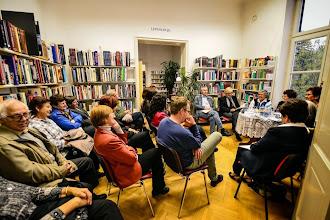 Photo: Bralne ulice v Knjižnici F. K. Meška Ormož. (Foto Marjan Dovečar)  http://www.prlekija-on.net/lokalno/7681/ali-veste-kaksna-je-knjiznica-ponoci.html