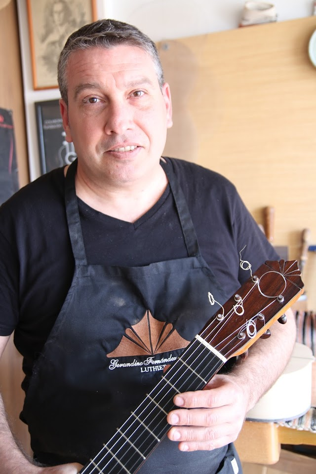Gerundino Fernández (hijo), guitarrero.