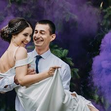 Wedding photographer Elena Strela (arrow). Photo of 19.10.2018