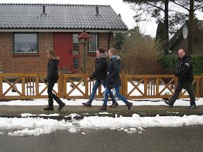 Photo: Jan danner selvfølgelig bagtrop - også svært at følge med tre friske piger :-)