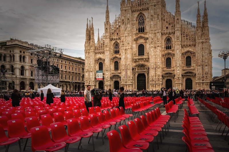 Posti a sedere...per pochi eletti di Concetta Caracciolo
