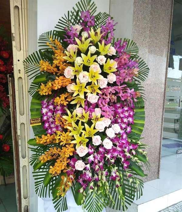 Kết quả hình ảnh cho đặt hoa đám tang