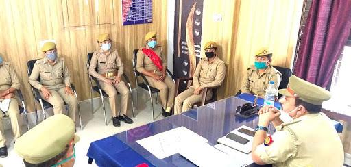 मुख्यमंत्री के मिशन शक्ति अभियान को लेकर पटरंगा पुलिस ने किया होमवर्क   अभियान को सफल बनाने के लिए प्रभारी निरीक्षक ने थाने में बैठक कर बनाई योजना