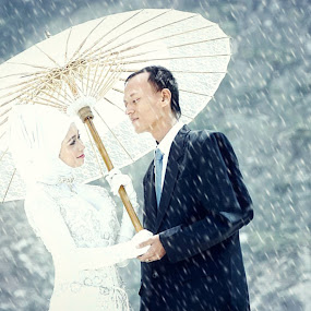 winter in Bandung @kawah_putih by Mohamad Fadli - People Couples (  )