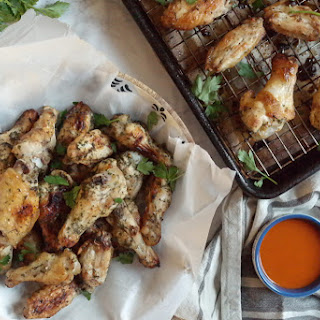 RANCH CHICKEN WINGS WITH BUFFALO SAUCE.