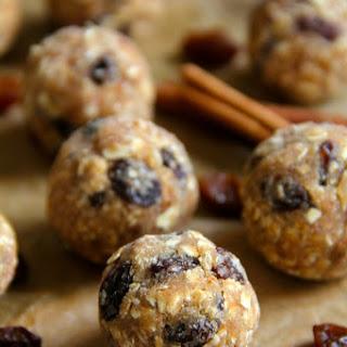 No-Bake Oatmeal Raisin Cookie Dough Bites