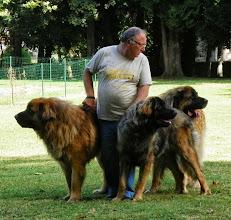 Photo: Joël et ses 3 mâles