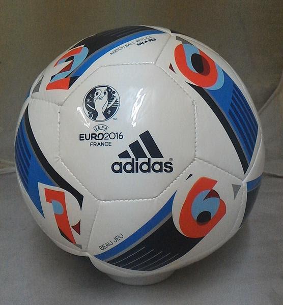 84f4cae84e Satu lagi merk bola futsal yang sangat terkenal dan menjadi salah satu merk  olahraga kelas dunia yaitu Adidas. Harga yang ditawarkan cukup terjangkau