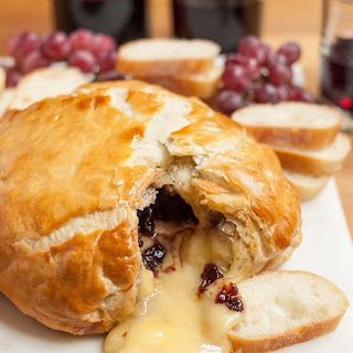 How To Make Baked Brie in Puff Pastry.