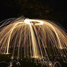 Steel wool by Chris Saunders - Abstract Light Painting