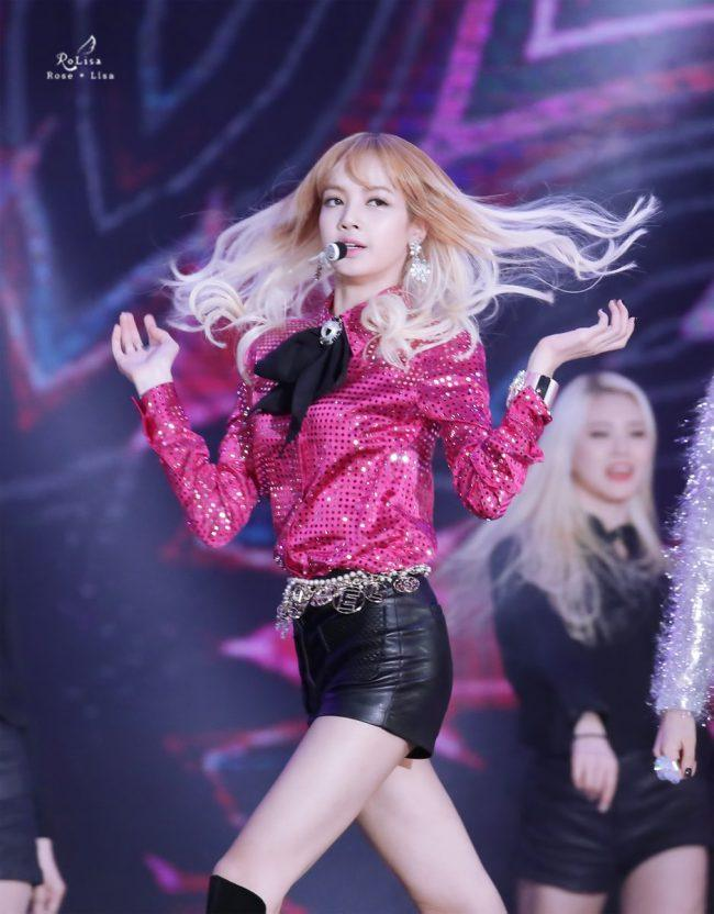 BLACKPINK Lisa performing