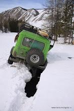 Photo: Это уже неприятно - если машина рухнет полностью, двери не откроются и её придется выпиливать изо льда.