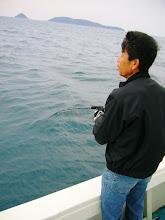 """Photo: 五島方面、天気が悪いので""""近海ジギング""""に! 朝一、""""ウメザキさん""""に!"""