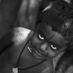 Eyes says it all!! by Saravanakumar Thangavelu - Babies & Children Children Candids ( look, koovagam, children, eyes )