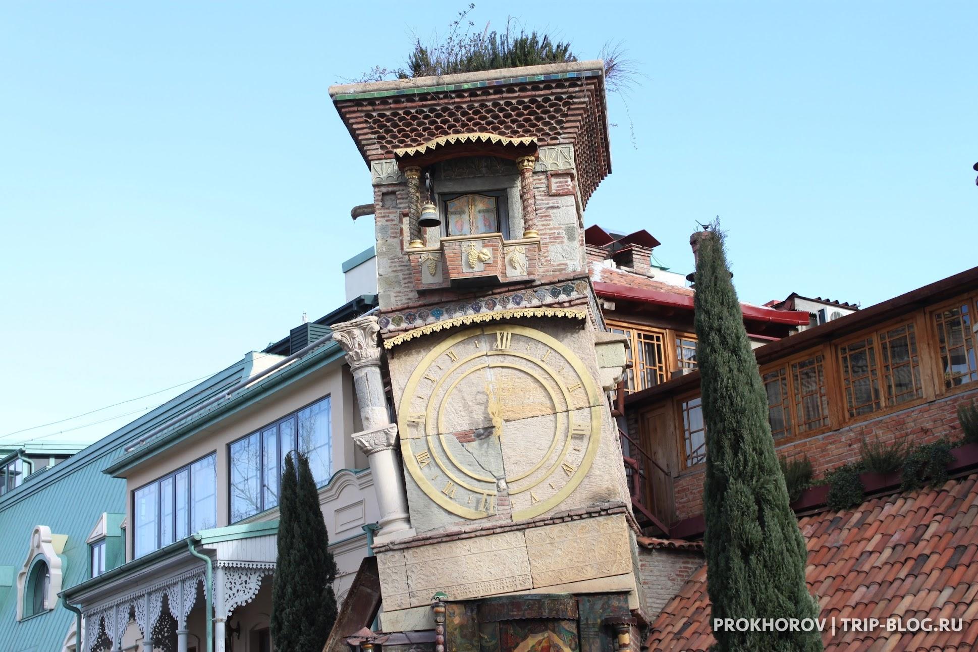 Башня театра Габриадзе