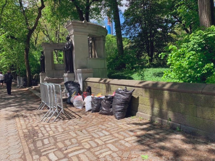 Армия вычистила мусор, оставшийся после концерта БТС в Центральном парке