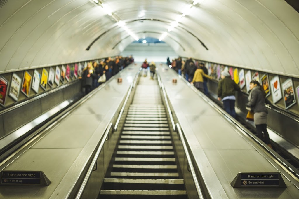 tube-commute-london