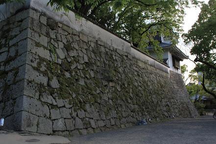 打込接の例 岡山城、月見櫓の下
