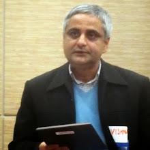 Photo: Vishnu Nepal, MSc, MPH - APIC Communications Chair presents the Community Organization Recognition Award