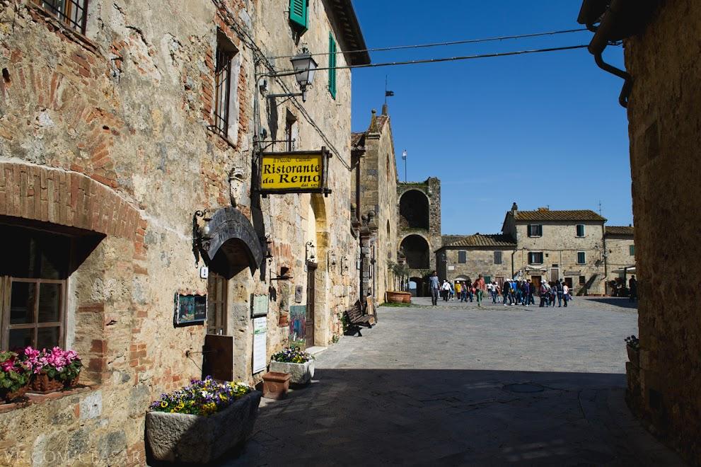 Монтериджони, центральная улица, провинция Тоскана