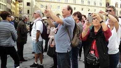 Photo: Tłum w obłędzie fotografowania. Fotografuję tłum