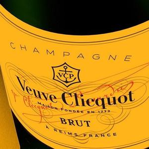 Champagne Veuve Cliquot Julhès