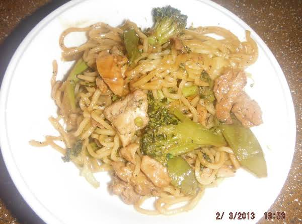 Stir Fry With Chicken And Yakisoba Noodles