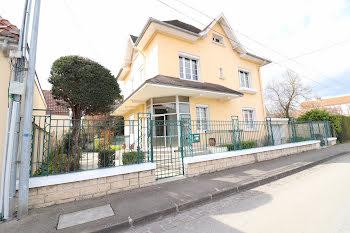 maison à Sainte-Savine (10)