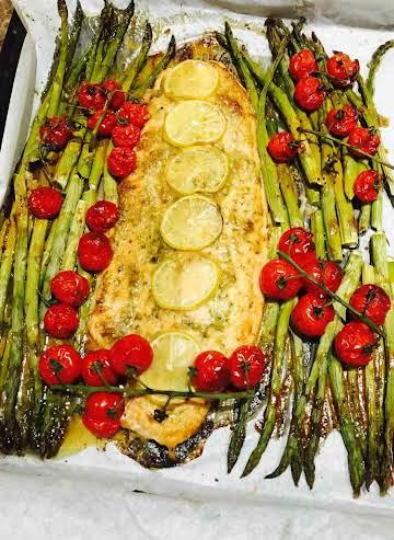 Superb salmon pesto and asparagus bake