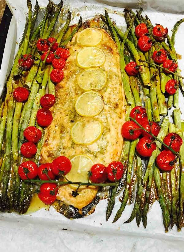 Superb Salmon Pesto And Asparagus Bake Recipe
