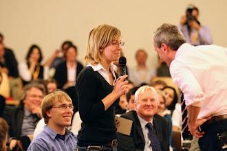 Photo: Der Botschafter hat ein offenes Ohr für alle Fragen